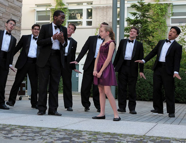 The Harvard Krokodiloes serenading Emma Murphy
